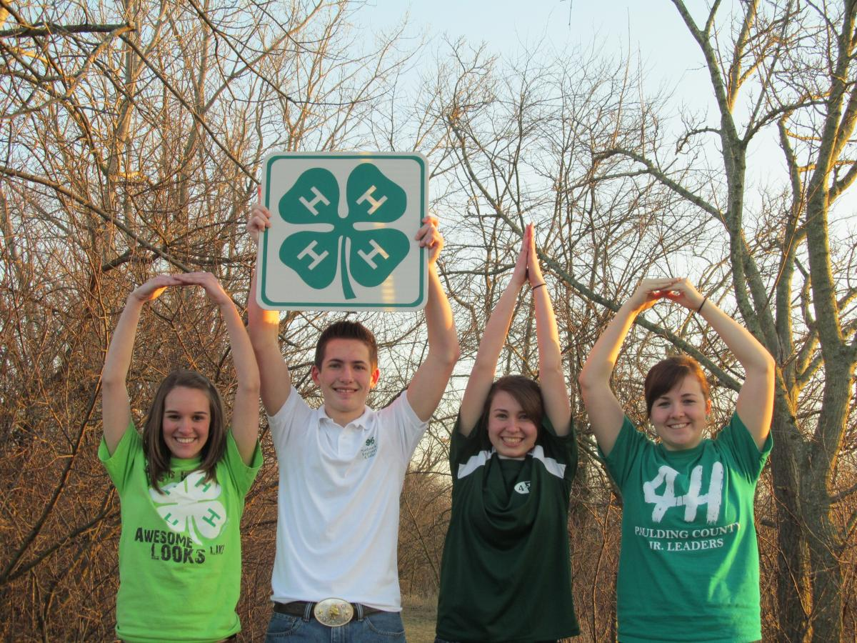 Ohio 4-H youth spell out O-H-I-O
