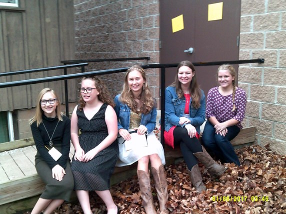 4-H members at Carving New Ideas workshop.