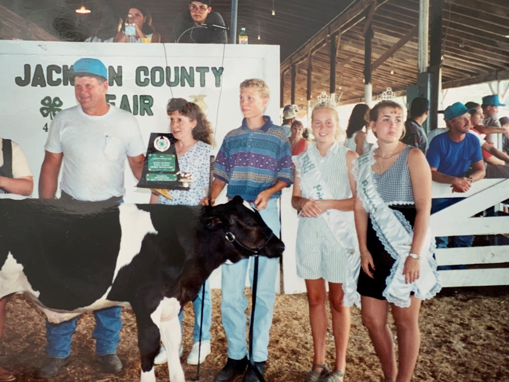 Michael winning showmanship for Dairy Market Feeder, July 1995